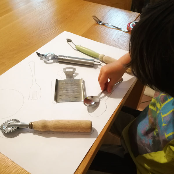 Riconoscere le forme degli oggetti - Ghiotto e Pstrocchio