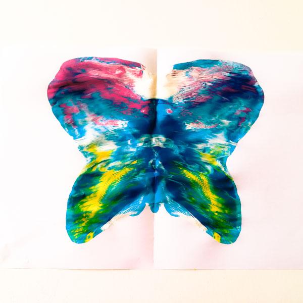 Fare una farfalla con le tempere - Ghiotto e Pastrocchio